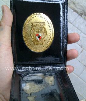 dompet uang istana