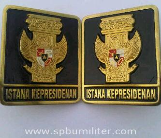 lambang istana kepresidenan mobil