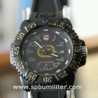 luminox old edition yellow