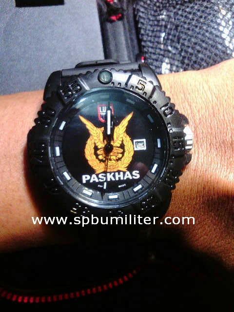 luminox paskhas