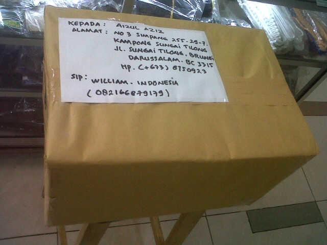 bukti paket kiriman luar negeri
