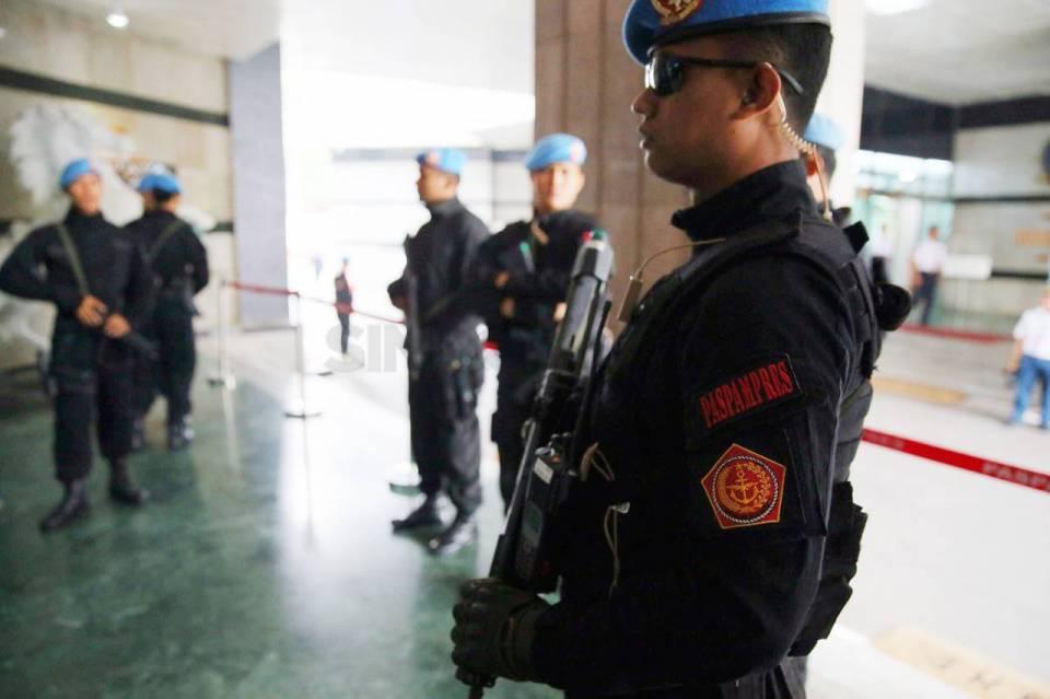 59522-bersenjata-lengkap-pengamanan-presiden-dan-wapres-ditingkatkan-06S_highres