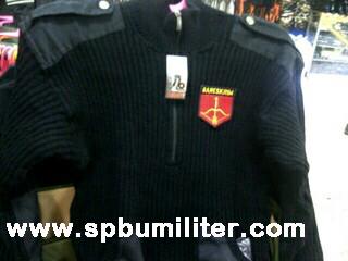 SweaterHitamLogo_1